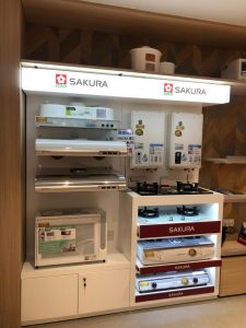 The new look of SAKURA counter in Lok Fu UNY reopens from 1st November, 2019 after its renovation.  A full range of Sakura appliances, including water heater, range hood, gas cooker, built-hob and dish sterilizer is displayed.  Our SAKURA promoter is happy to serve every customer and to introduce our products.  Please come and visit us.